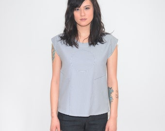 Railroad Circle Blouse -- Grey and White Seersucker