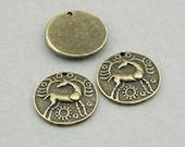Deer disc Charms Antique Bronze 4pcs round base metal beads 18mm CM0780B