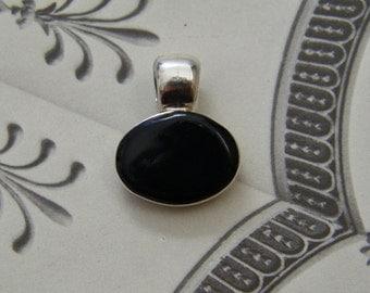 Vintage Sterling Silver & Onyx Stone Oval Pendant