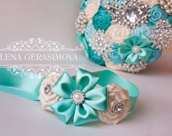 Corsage wrist for mint brooch bouquet