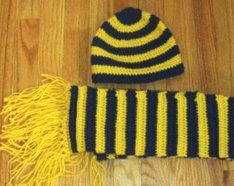 U of M Hat and Scarf Set