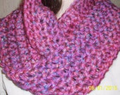 INFINITY SCARF CROCHET Womens super bulky scarf Pink Veriagated womens fashion access outerwear, bulky scarf, crochet scarf high fashion
