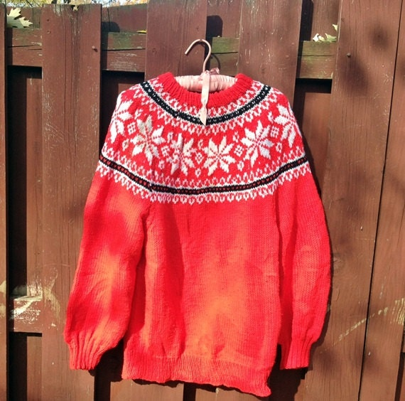 CIJ SALE Red Snowflake Ski Sweater Vintage Hand Knit