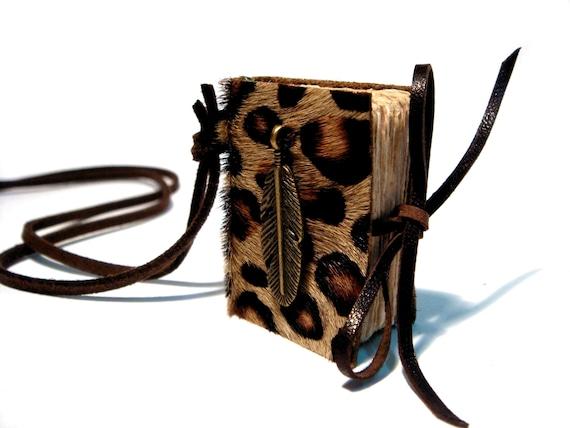 Mini  Leopard  Fur Book Necklace - HANTER - Bronze Decor - 4x3 cm