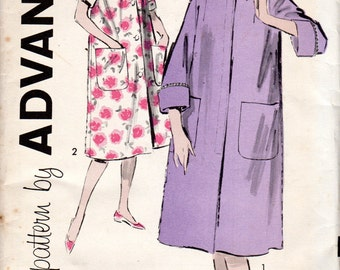 "Easy 1960s Women's Robe Pattern - Size 12, Bust 32"" - Advance 9315"