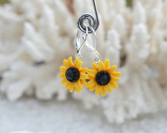 Sunflower Earrings, Summer Flower Earrings, Bridesmaid jewelry, Bridal jewelry, Floral Earrings.