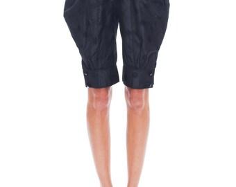 1970s Vintage Charming Black Silky Valentino Pants  Size: S/M