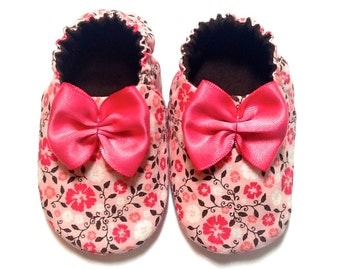 Baby Girl Shoes with Bows, 0-6 mos. Baby Girl Booties, Soft Sole Baby Shoes, Baby Girl Crib Shoes, Slip on Baby Shoes, Baby Girl Gift