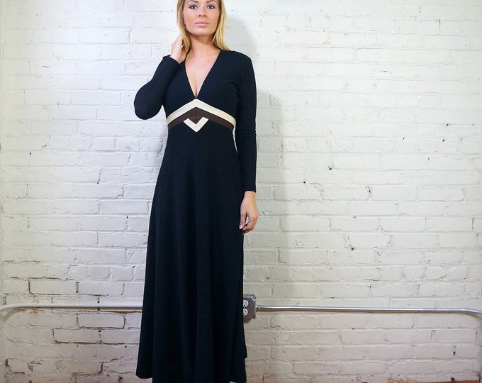 Low Cut Dress Black 1970s Maxi Dress Long Sleeves w Zips SMALL Fine Crepe Wool 70s Cocktail Dress Mod Gown Brown White Chevron Youth Guild