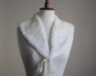 White fur fabric collar