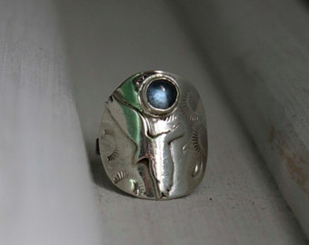 Flying eagle sterling silver ring, Free, bird of prey, freedom ring