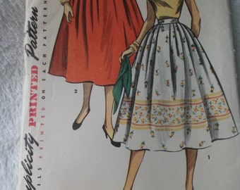 Simple to Make Skirt Waist 27 Inches 1950s Simplicity Sewing Pattern 4648 Complete Pattern