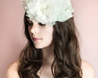 JESSICA Fascinator, Ivory Fascinator, Wedding Fascinator, Bridal Shower Fascinator, High Tea Fascinator, Wedding Hat, Green Fascinator, Hat