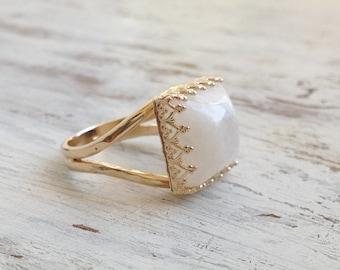 Moon stone ring, gold ring, stacking ring, vintage ring, gemstone ring, moonstone, stacking rings - 30014