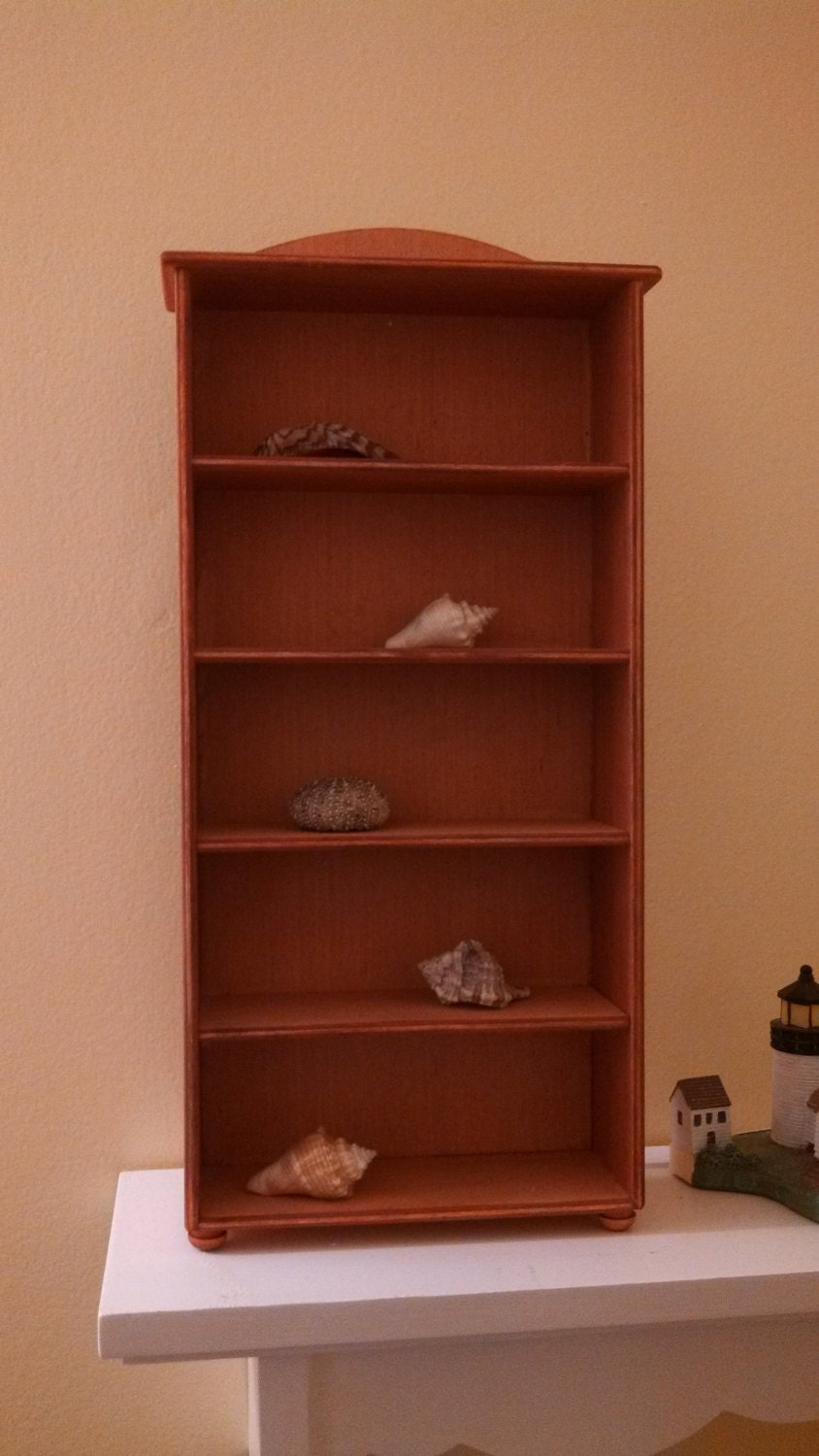 display shelves collectible display collectible shelves. Black Bedroom Furniture Sets. Home Design Ideas