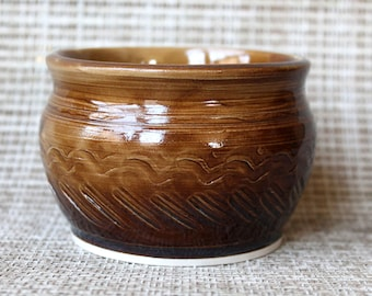 Wave Encircled Bowl - Wheel Thrown Porcelain