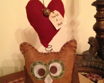 Primitive Valentine Owl with Wire Heart and Tag Decoration Doll
