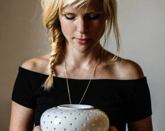 Large aromatherapy diffuser/ oil burner/ tea light holder/ candle holder/ ceramic vessel