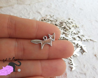 10 Charms with Little Fox 20x10 mm - silver tone - SP50
