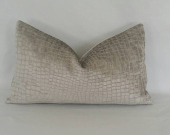 "12"" x 20"" Silver Reptile Pattern Chenille Pillow Cover"