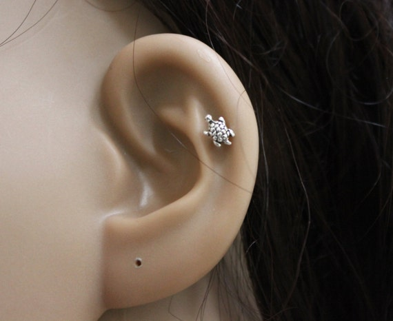 Tiny Turtle Cartilage Earring, Turtle Tragus earring, turtle Nose stud, Helix earring, tiny stud earring, tiny cartilage, small cartilage.