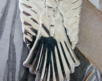 Signed jane©1998AOL Silver Angel Pendant