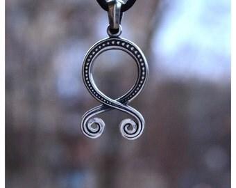 Troll Cruz folclore sueco vikingos protección paganos nórdicos collar amuleto