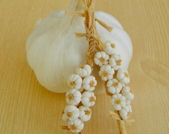 Miniature garlic braid in 1 inch scale