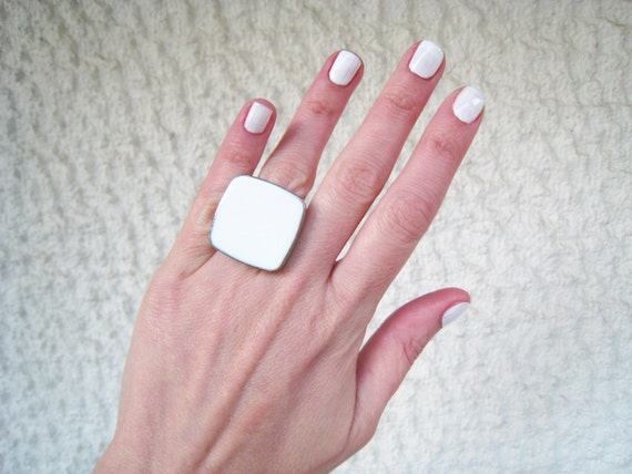 White ring, white statement ring, white resin ring, alabaster ivory white glass ring, modern minimalist, summer wedding bridal jewelry