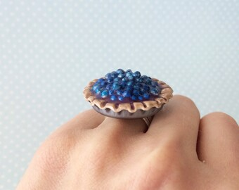 Blueberry Pie Ring - Pie Ring, Miniature Pie, Miniature Food Ring, Food Jewelry, Polymer Clay Ring, Kawaii Ring, Pastry Ring, Food Ring