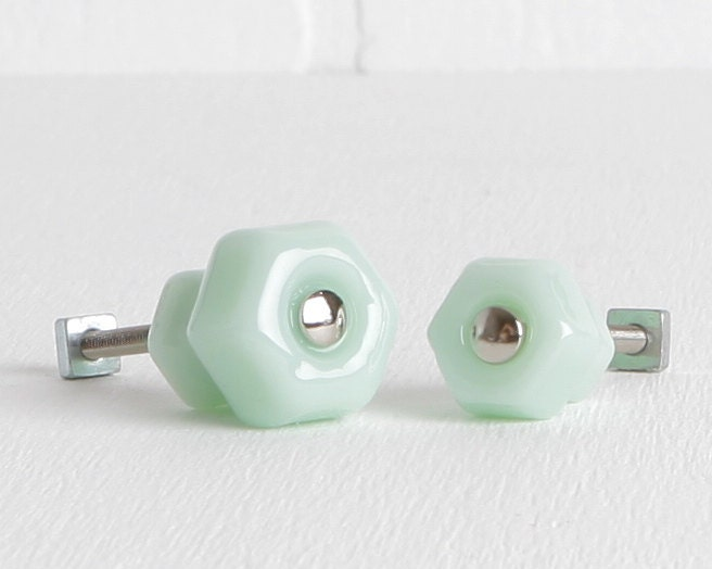 Milk Glass Bath Light: Light Green Jadeite Milk Glass Cabinet Or Drawer Knobs Beach