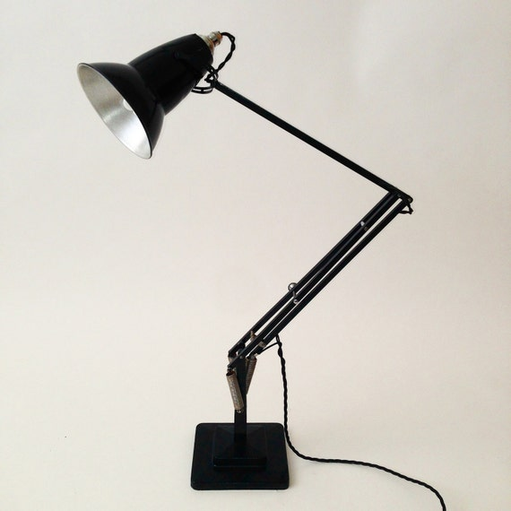 lampe de bureau noire originale anglepoise par owlandtheelephant. Black Bedroom Furniture Sets. Home Design Ideas