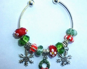 18-Christmas European Style Charm Bracelet ~ Wreath