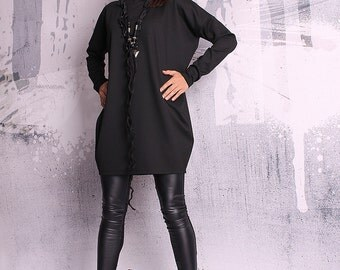 Black blouse with long sleeves / black tunic / black top / loose top / long tunic - UM-051-PU