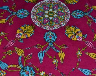 Pink table cloth 130X140 cm.