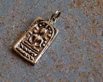 Bronze Thai Buddha Pendant, Bronze Buddha Charm,Meditation Buddha,Thai Buddha,Bronze Charm,Buddha Pendant,Golden Buddha Charm,Boho,ST14-015