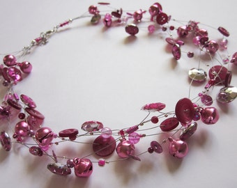PINK PARTY, chain of vintage buttons, beads & bubbles