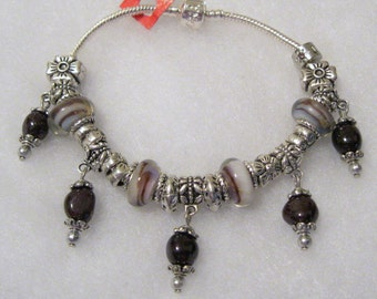 578 - Brown Dangle Bracelet