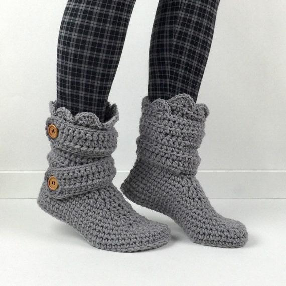hnliche artikel wie damen crochet leichte graue slipper. Black Bedroom Furniture Sets. Home Design Ideas