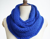 christmas holiday fashion,blue scarf,christmas gift,blue infinity scarf /knitted scarf/knitting scarf/scarves/ scarf/ infinity/knit scarf