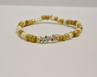 White & Gold Glass Seed Bead Stretch Bracelet With Silver Stars