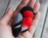 Bullfinch Brooch - Felt Bird Brooch  - Needlefelted pin - red brooch - birds jewelry - animal brooches - small pin