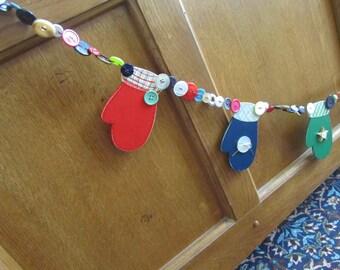 Winter Garland, Mitten Garland, Mitten Decor, Christmas Garland, Christmas Decor, Christmas Banner, Christmas Prop,Mitten Prop,Wood Mittens