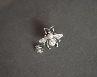 Bee Tie Tack Bee Lapel Pin Gifts for Men Bee Gifts Novelty Gifts Honey Bee Lapel Pin Gifts for Him Men's Gifts