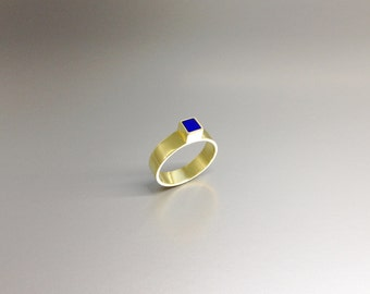 Modern solitaire ring with Lapis Lazuli set in 18K gold - modern engagement ring - gift idea