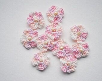 Mini crochet flowers, crochet flower appliques, flower appliques, flowers with beads, spring flowers, pastel flowers, small crochet flowers