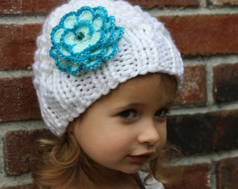 Knitted girls hat. White knitted hat. Winter knitted hat. Flower knit hat. Girls knitted hat. Any color flower, any size. For age 0-16 years