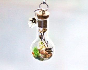 Terrarium Necklace Unique Custom Gift Terrarium Jewelry Birthstone Pick Crystal in Clear,Peridot or Pearl Glass Bottle Necklace Fairy Garden