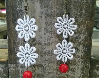 Daisy Lace Earrings