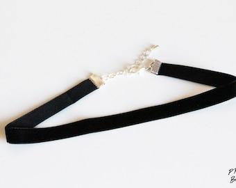 Black Plain Velvet Choker